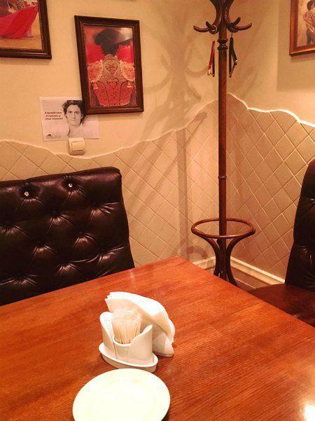 Хозяйка кафе вовремя поняла, что сможет пропиарить свое заведение благодаря звездному визиту