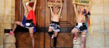 FEMEN атаковали Стросс-Кана
