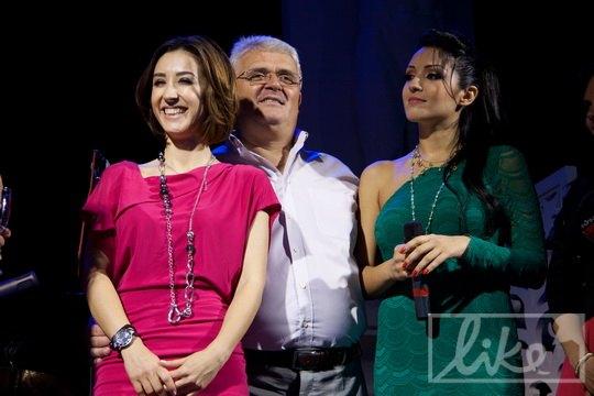 Анна и Алина с отцом и продюсером Александром Завальским