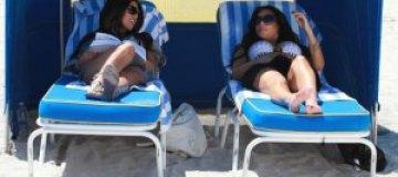Ким Кардашьян отдохнула на пляже в Майами