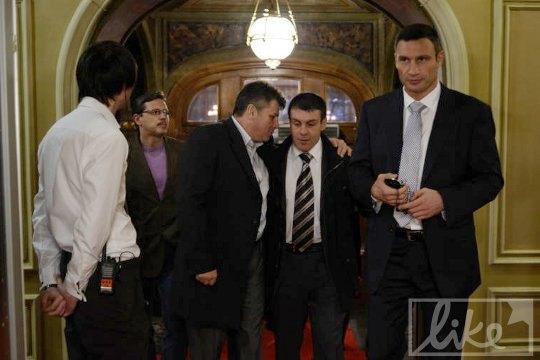 Скульптор Олег Пинчук и спортсмен, политик Виталий Кличко