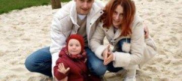 Суд запретил инцест влюбленным брату и сестре