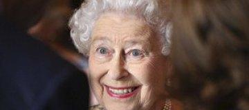 Елизавета II познакомилась с новорожденным правнуком