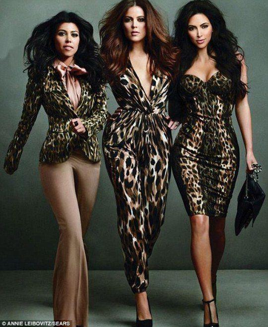 Девушки активно рекламируют свою линию одежды для универмагов Sears