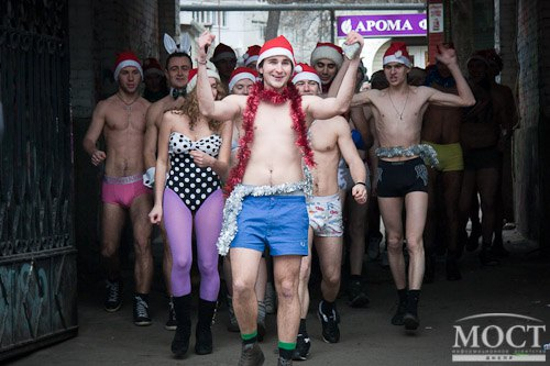 Голый забег Дедов Морозов в Днепропетровске