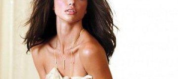 Адриана Лима в купальниках и нижнем белье Victoria's Secret
