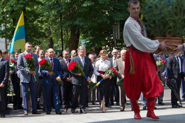 Виталий Кличко с первыми лицами страны на торжествах 28 июня