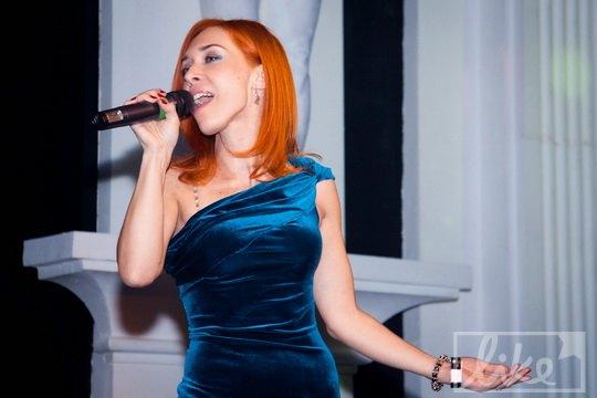 Певица Карина Плай
