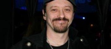 Сергей Поярков живет в четырехэтажном доме