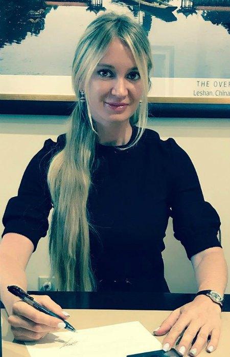 Марина Эктон, которая купила дом Кардашьян