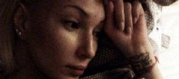 Лера Кудрявцева от скуки фотографирует себя ненакрашенной