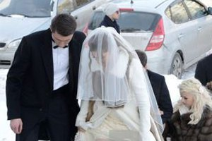 "Дети Литвина и Деркача поженились под присмотром ""Беркута"""