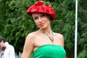 Эвелина Бледанс хочет родить в общественном месте