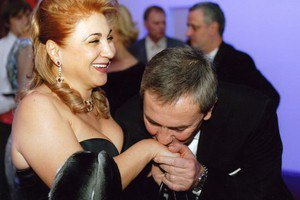 Жена Черновецкого бросила его еще восемь лет назад