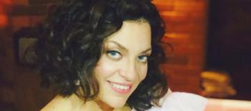 Наталья Холоденко показала новорожденную дочь