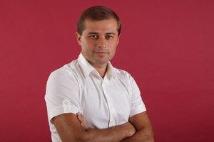 Андрей Молочный хочет посадить учителя своего сына