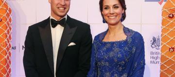 Кейт Миддлтон впервые в Индии: роскошные платья, игра в крикет и знакомство с Болливудом