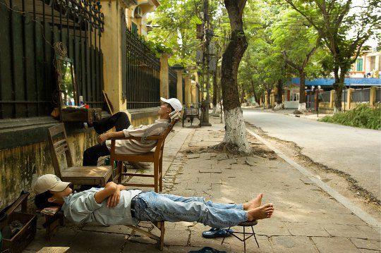 Вьетнам. Уличные парикмахеры