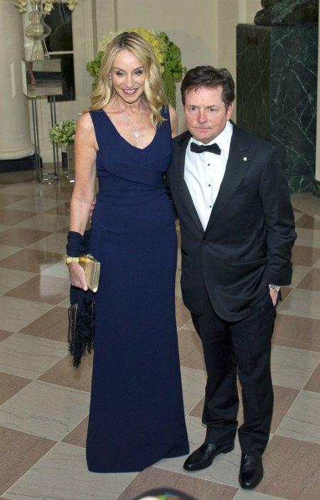Канадско-американский актер Майкл Джей Фокс с супругой