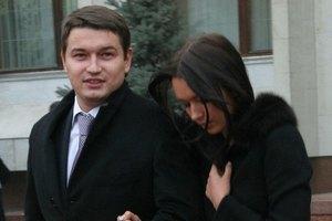 Андрей Ющенко готов есть гвозди ради жены