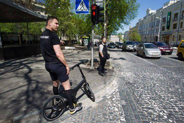 Раньше Кличко ездил только на прогулки и одевался в симпатичные шорты с гетрами