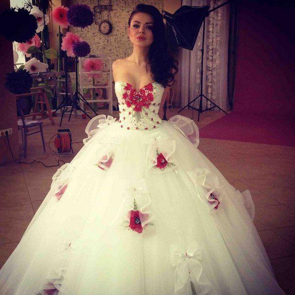 Алина Гросу приняла участие в свадебной фотосессии