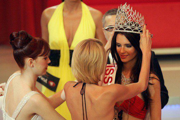 """В 2008 году Хилтон судила """"Мисс Турция"""""""