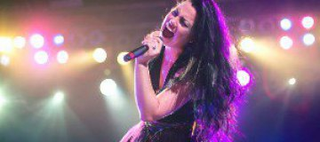 Вокалистка Evanescence в Днепропетровске съест 15 кг конфет