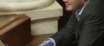 Янукович поздравил детей с днем Святого Николая