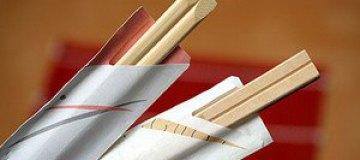 """Китайские воришки """"чистят"""" чужие карманы палочками для еды"""