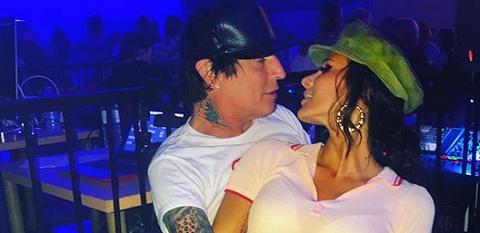 Бывший муж Памелы Андерсон женился на Instagram-звезде