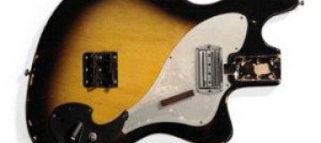 Разбитую Кобейном бас-гитару выставили на аукцион