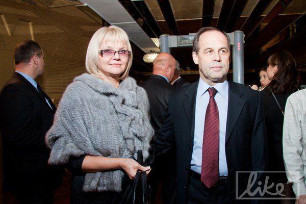 Телеведущая Светлана Леонтьева пришла послушать Завальскую с супругом