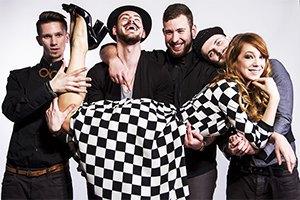 Светлана Тарабарова и Клей Угрюмого записали новую песню на спор