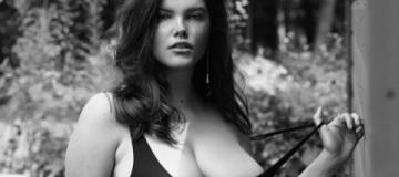 Пышнотелая модель стала героиней откровенной съемки в Playboy