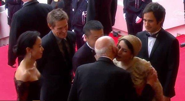Лейла Хатами целует Жиля Жакоба