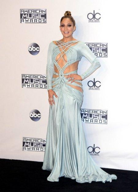 Визитной карточкой церемонии назвали это платье Дженнифер Лопес