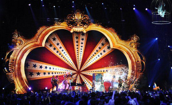 Церемония MTV Europe Music Awards 2012 стала ярким зрелищем