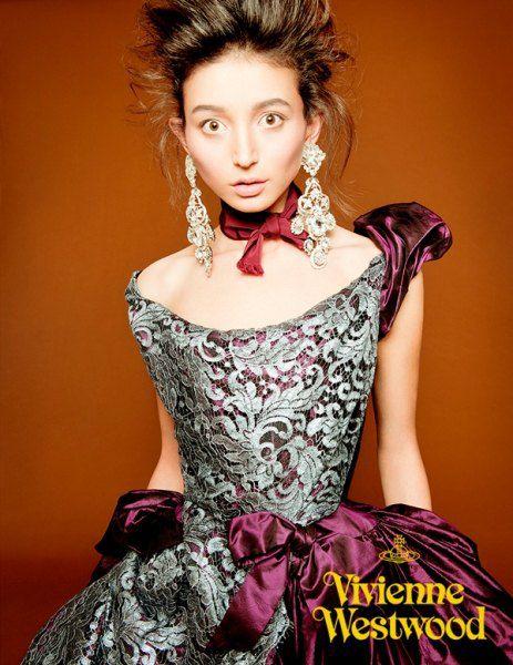Эвелина Мамбетова в фотосесии для лукбука Vivenne Westwood