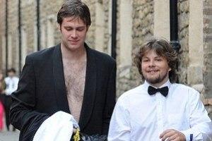 С бала в Кембридже студенты ушли без штанов