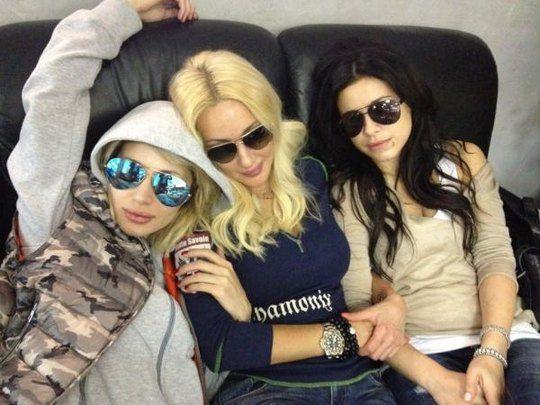 Светлана Лобода, Лера Кудрявцева и Ани Лорак ждут свои рейсы