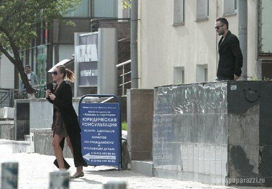 Жанна Фриске и Дмитрий Шепелев возле СПА-салона