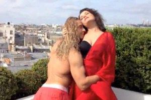 Королева и Тарзан устроили секс-каникулы в Париже