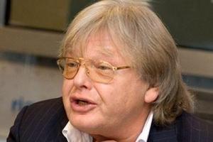 Байкер, избивший Юрия Антонова, избежал наказания