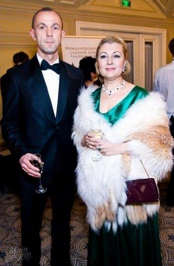 Андрей Кожемякин с супругой на балу