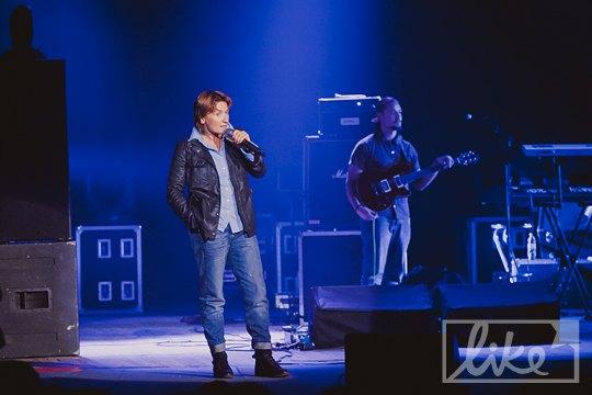 В начале концерта Диана представила участников украинского талант-шоу, название которого не захотела произносить со сцены