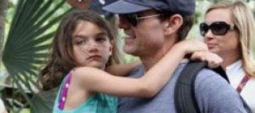 После развода Том Круз бросил дочь