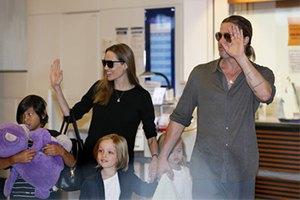 Анджелина Джоли родит двойню при помощи ЭКО