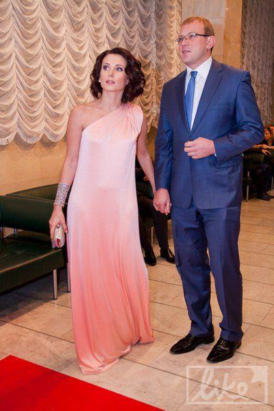 Народный депутат Андрей Шевченко с женой, телеведущей Анной Гомонай