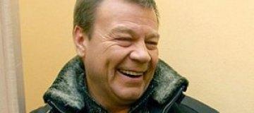 Сергей Селин забрал из роддома жену и сына